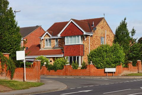image of a house which may require a mortgage valuation